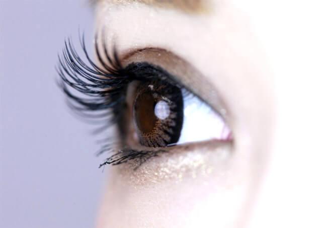 まつ毛で変わる目の印象