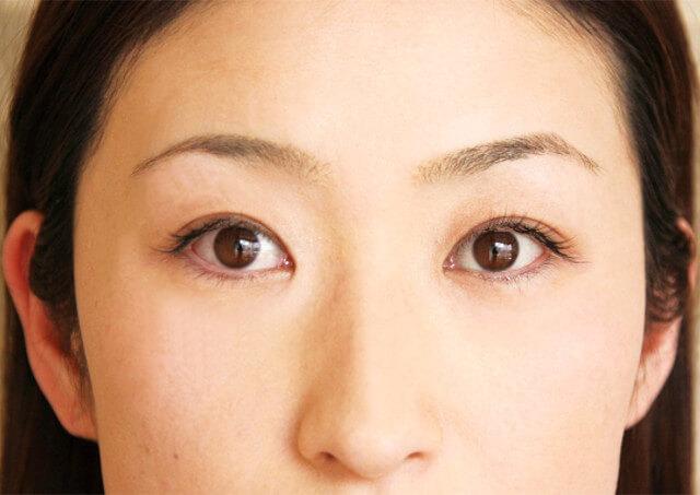 眉毛と若返りの関係